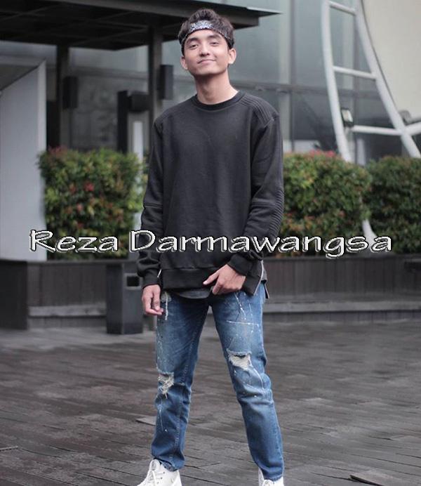 Biodata Reza Darmawangsa