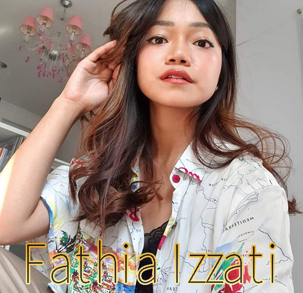 YouTuber Fathia Izzati