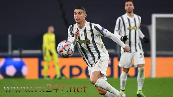 Cristiano Ronaldo Rela Potong Gaji Buat Kembali ke MU